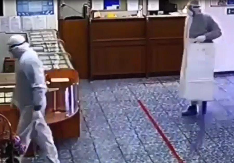 МВД: при налете на ломбард в Белореченске украдено украшений на 4 млн рублей