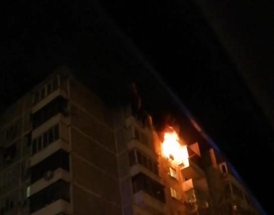 В Краснодаре трое пострадали при пожаре в многоэтажке