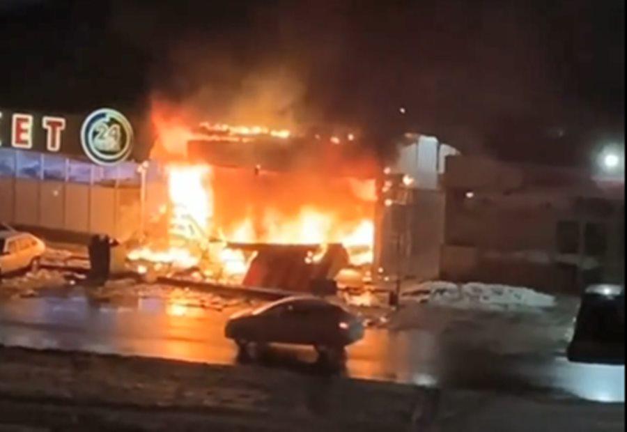 В Краснодаре один человек погиб при пожаре в торговом павильоне
