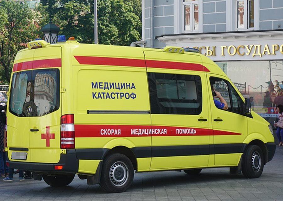 В Краснодаре женщину столкнули с балкона, она сломала позвоночник и ноги