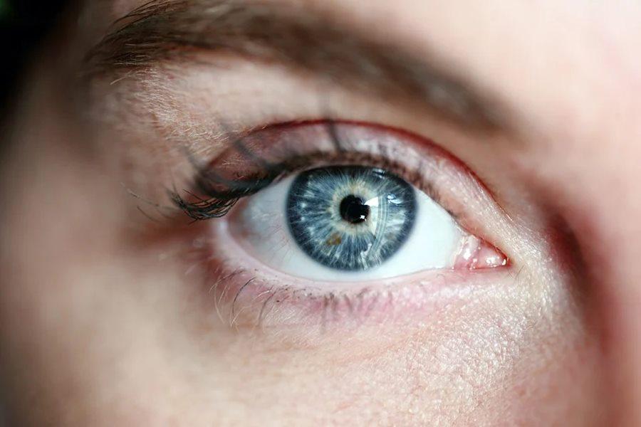 В Новороссийске врачи вернули зрение ослепшей после инсульта девушке