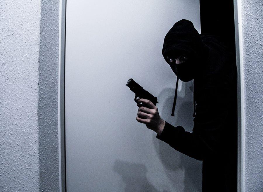 В Краснодаре мужчина пытался взорвать банкомат самодельным устройством