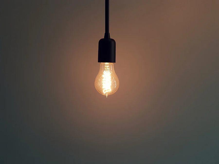 В Сочи более 10,5 тысяч человек остались без света из-за снегопада