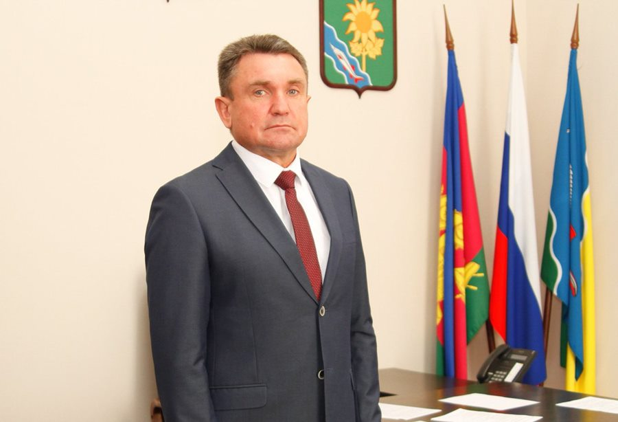 СМИ: задержан глава Ейского района Виктор Ляхов