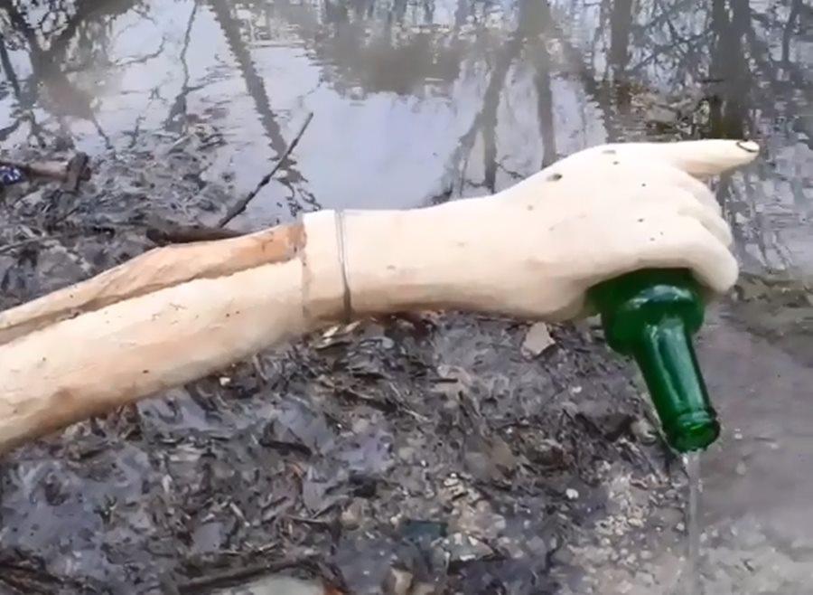 Житель Новороссийска сделал из поваленного ветром дерева фонтан