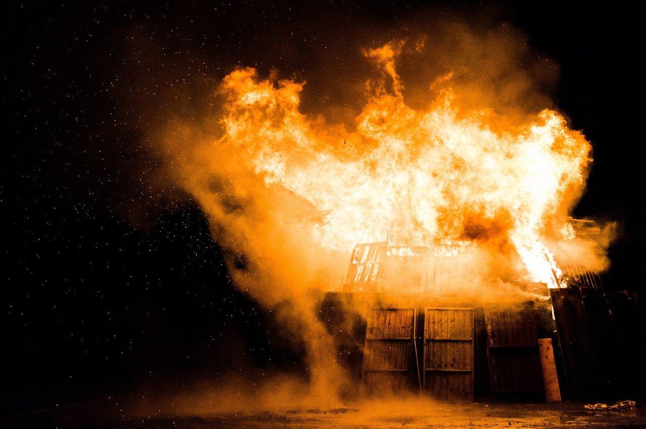 На Кубани за сутки произошло 15 пожаров, 5 человек погибли