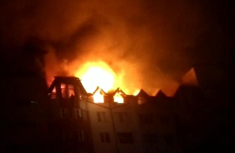 В Анапе произошел масштабный пожар в восьмиэтажном доме