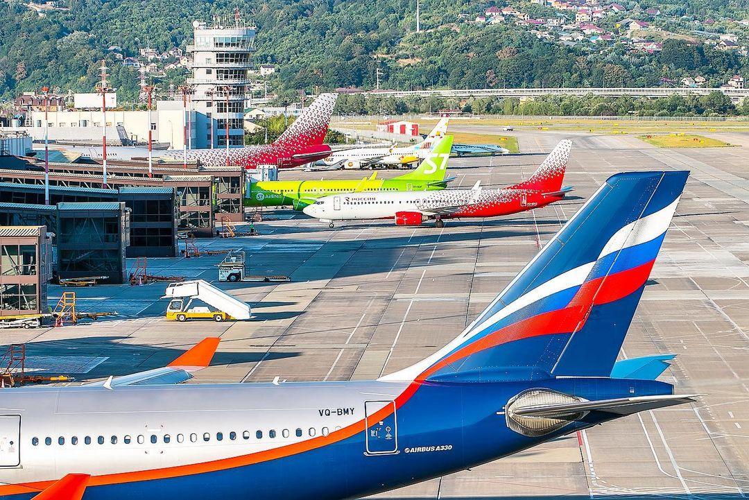 Аэропорты Краснодара и Сочи с 1 апреля возобновляют рейсы за границу
