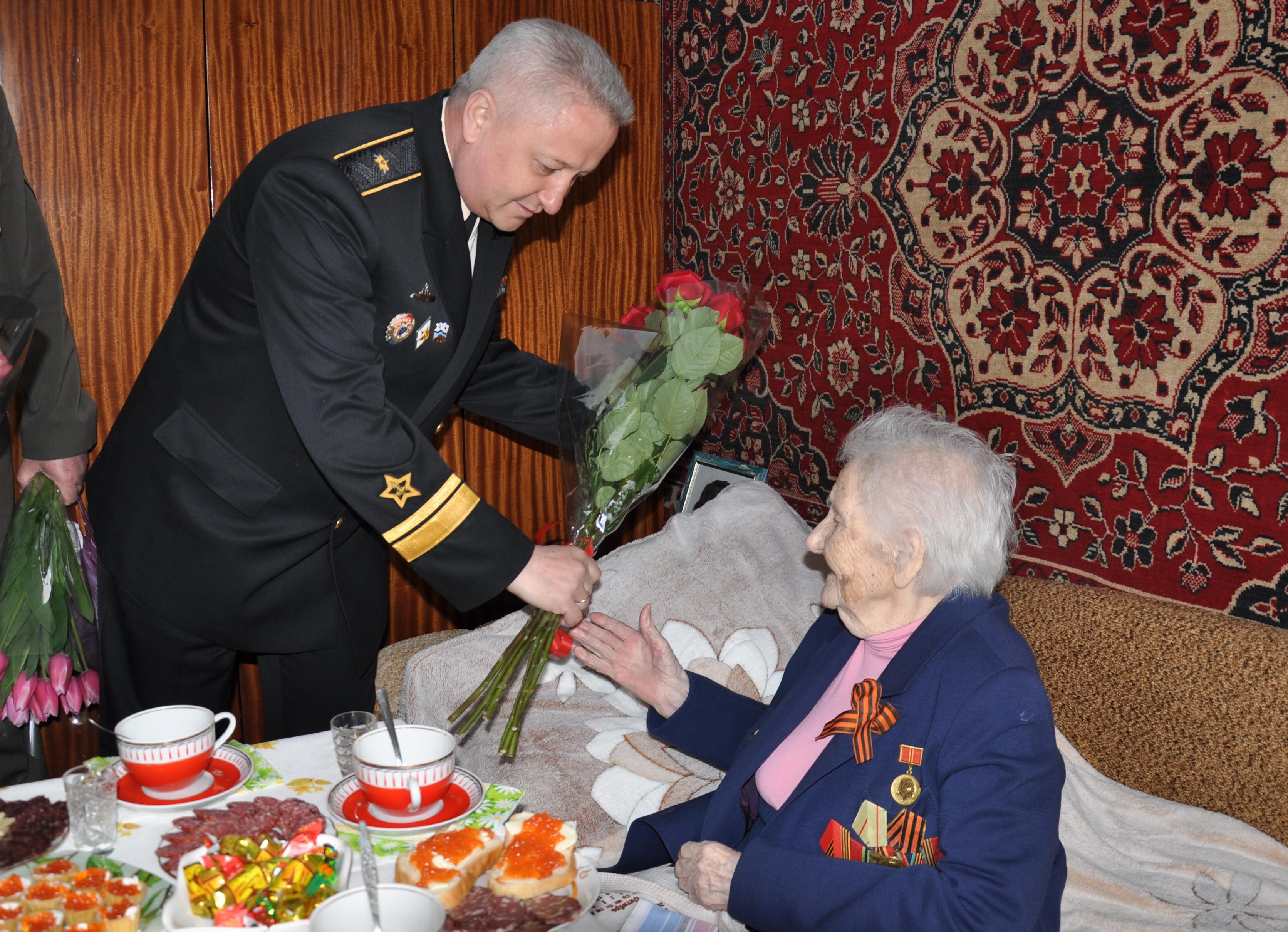 На Кубани ветеран ВОВ Лидия Тютюнникова отметила свой столетний юбилей