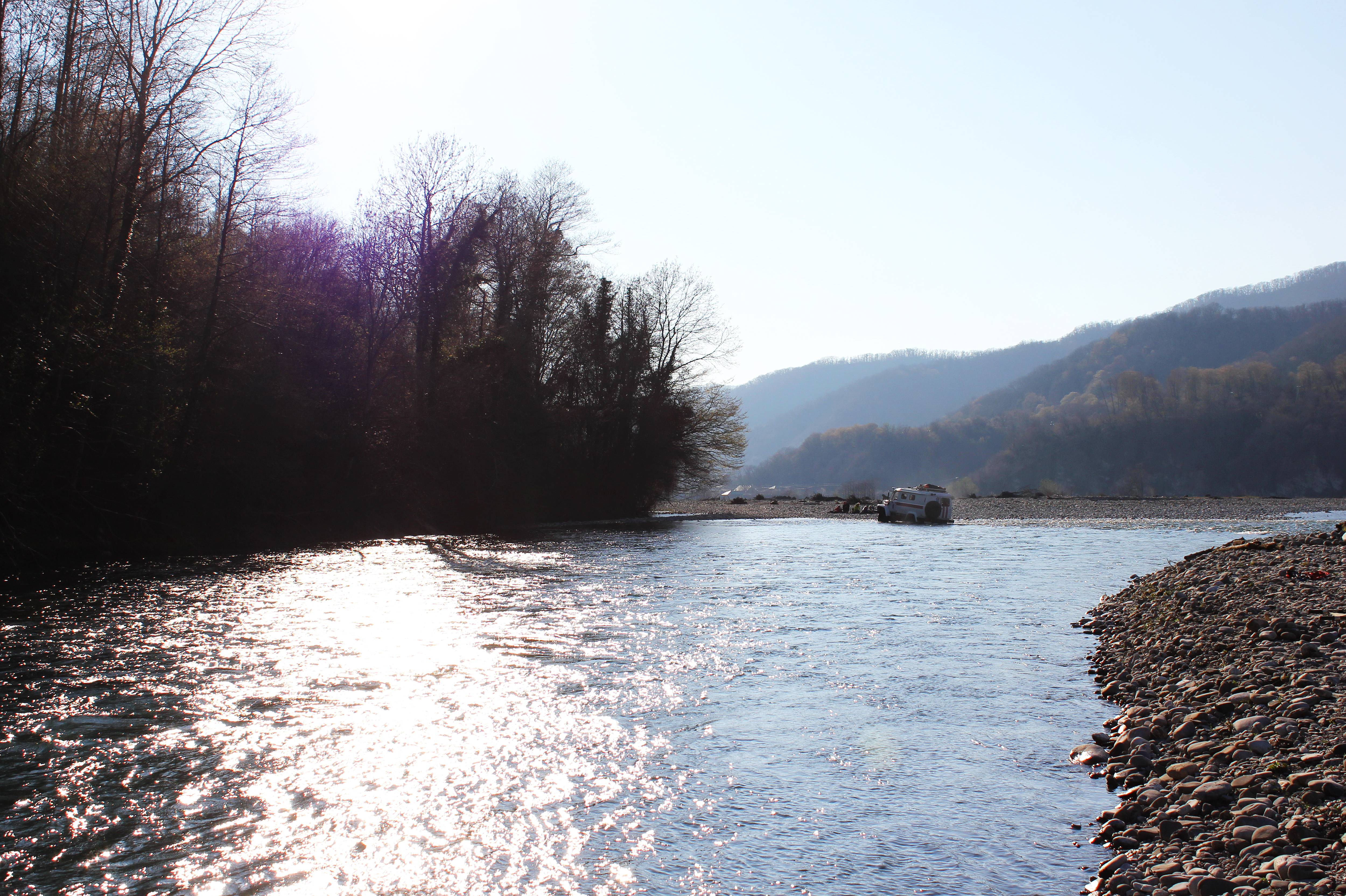 В горной реке Сочи очевидец обнаружил труп женщины