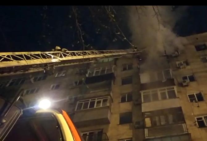 В Краснодаре потушили пожар в квартире многоэтажного дома