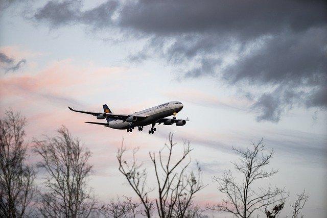 В Краснодаре из-за самочувствия пассажирки экстренно сел самолет летевший в Анталию