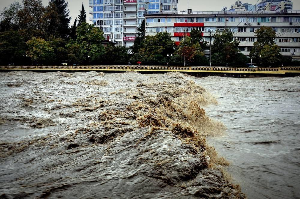В Сочи введен локальный режим ЧС из-за угрозы подъема реки Кепша