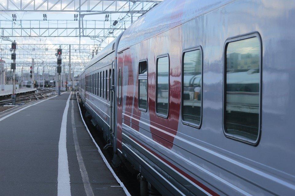 На Кубани из-за аварии на контактной сети задержаны поезда