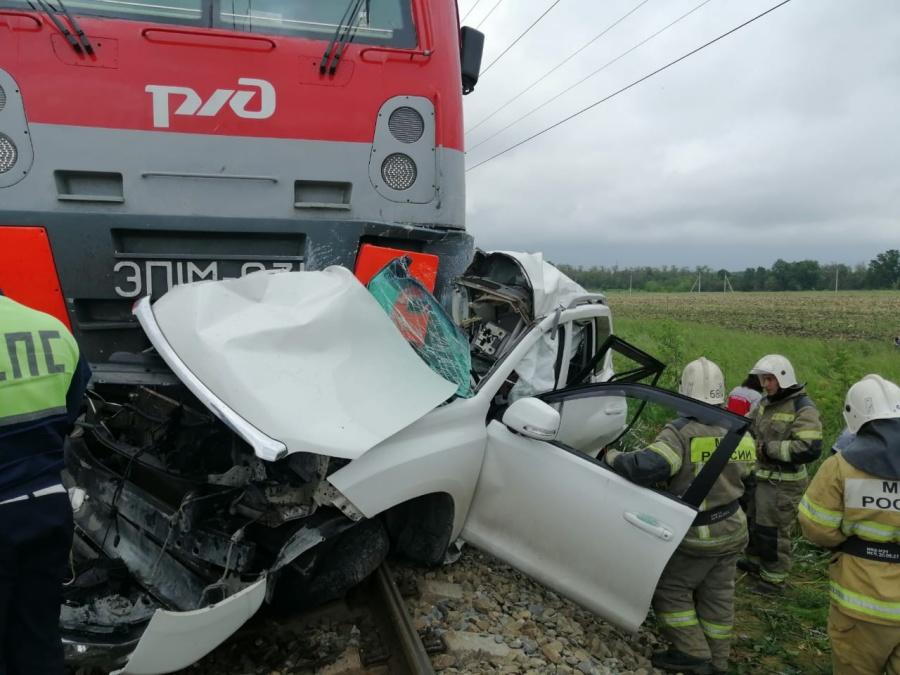 В МВД раскрыли подробности аварии Toyota с пассажирским поездом