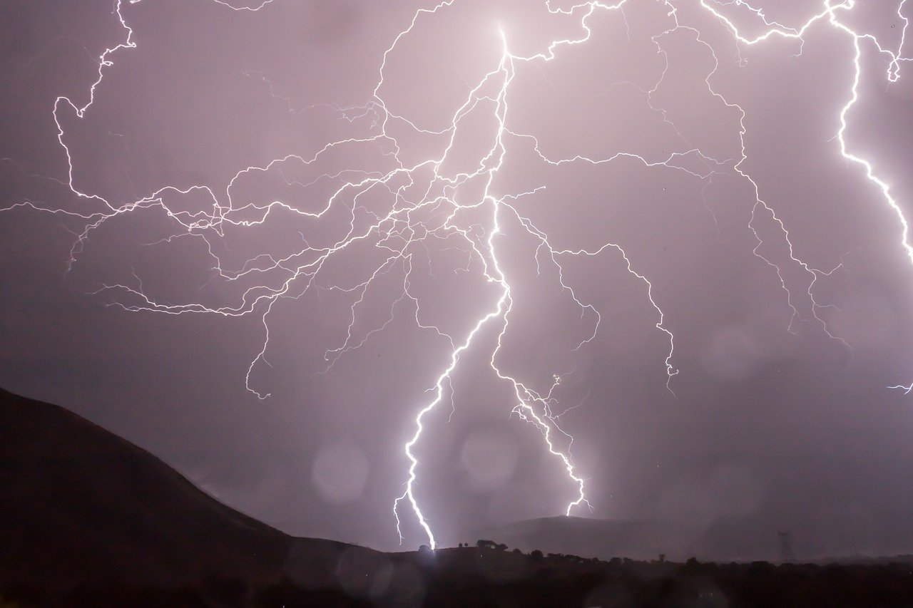 На Кубани объявлено штормовое предупреждение по непогоде с 4 по 5 июня