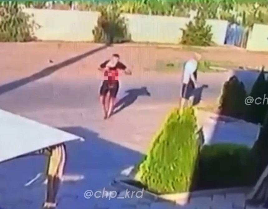 В Гулькевичи около кафе зарезали мужчину