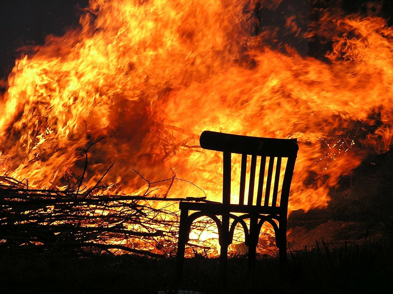 В Краснодаре при пожаре в частном доме погиб пенсионер