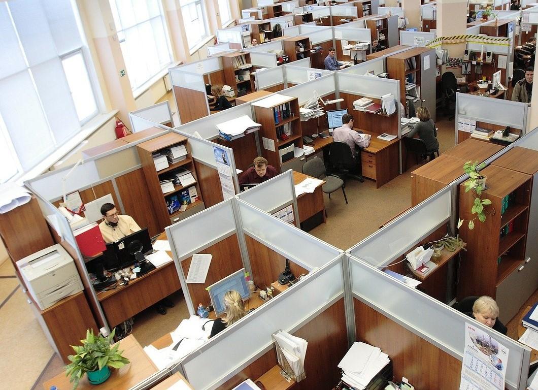 В Краснодаре преступник с гранатой совершил налет на офис микрозаймов
