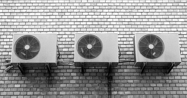 В Краснодаре жители восьми улиц остались без электричества