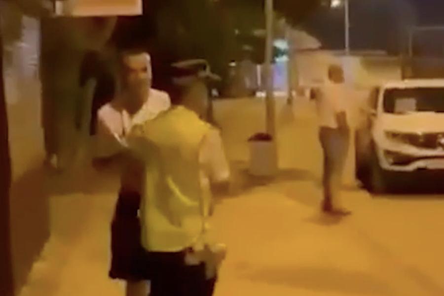 В Ейске пойдет под суд молодой человек, бросивший через бедро полицейского