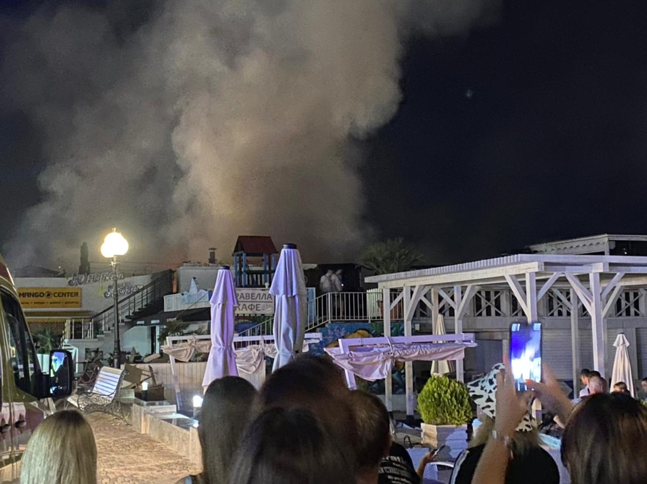 Власти Сочи назвали предварительную причину пожара в кафе на набережной