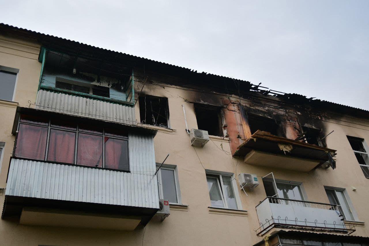 В Краснодаре при взрыве газа в 4-этажном доме погиб человек, двое пострадали