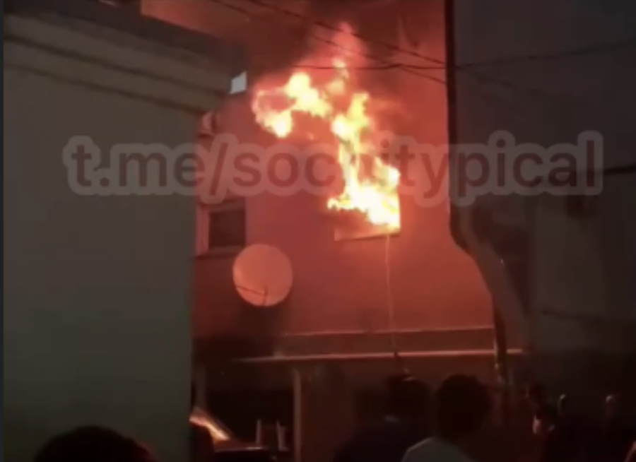 В Сочи из горящего общежития эвакуировали 150 человек