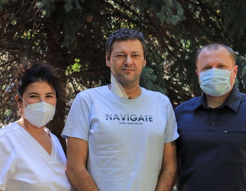 В Краснодаре врачи спасли пациента со 100% поражением легких при COVID-19