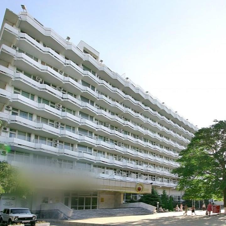 Директор анапского санатория сбежал за границу, обманув акционеров на 7,7 млн рублей