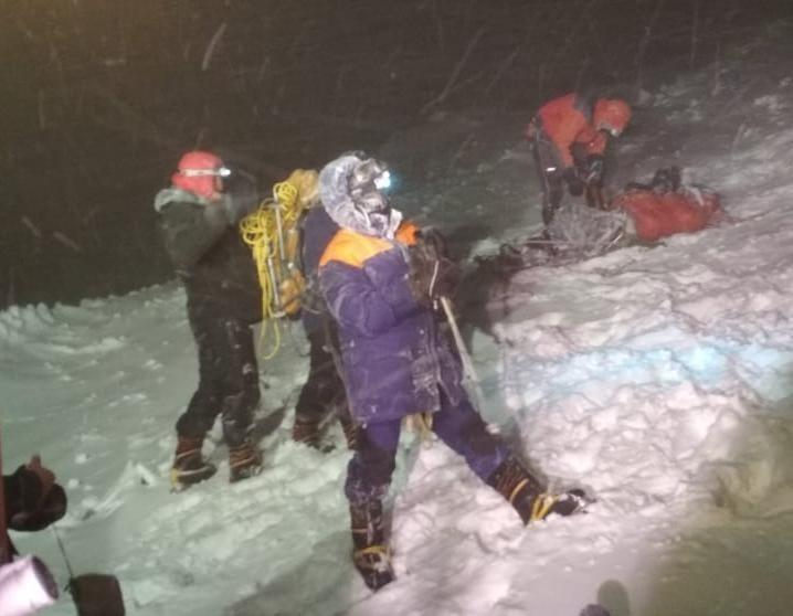 Альпинисты из Новороссийска, попавшие в снежную бурю на Эльбрусе, выжили